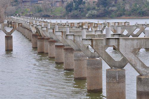 橋げた.jpg