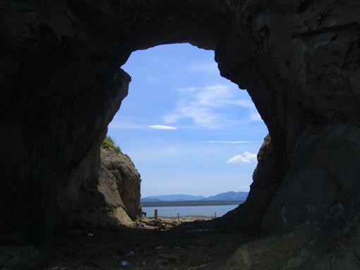 洞山.jpg