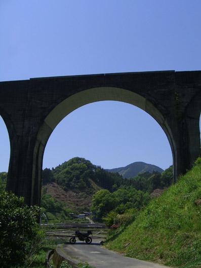 宝珠山の橋.jpg